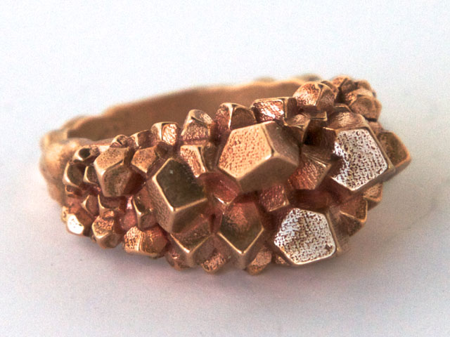 bronze-top-crystalring-20131010